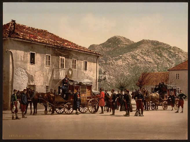 Arrival_of_the_post,_Cetinje,_Montenegro-LCCN2001699412